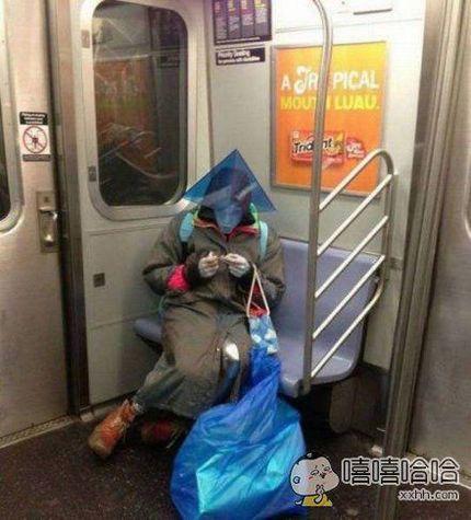 地铁坐的多了,什么妖